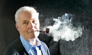 Tony Benn at the Edinburgh book festival in 2005. Photograph: Murdo Macleod, Source: Guardian
